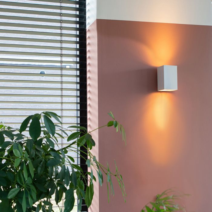 Moderna-stenska-svetilka-kvadratno-bela---Sandy